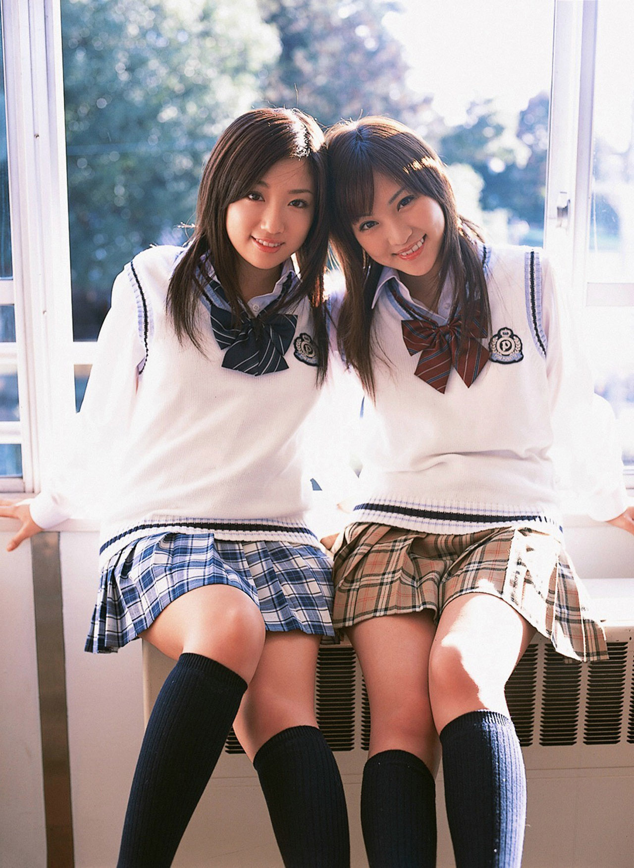 Японские девки в юбках 16 фотография